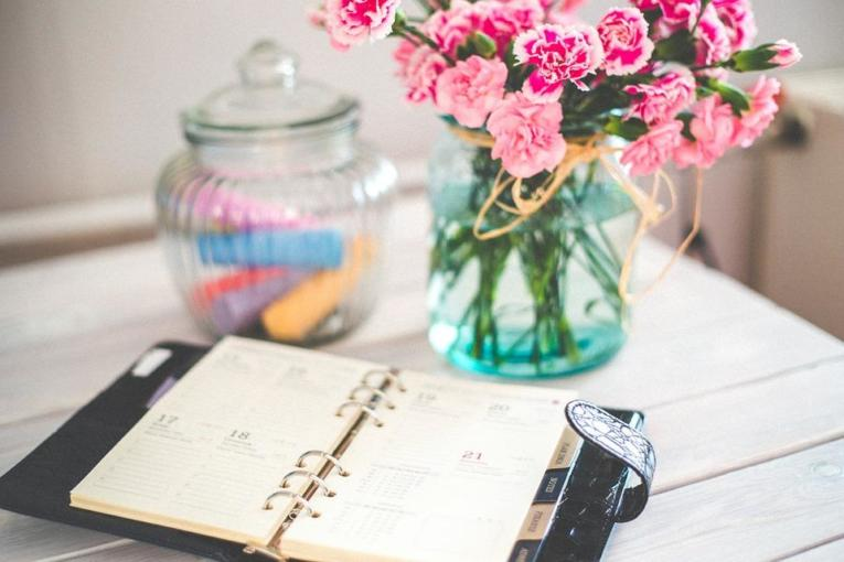 8 Ways To Find Time For Self Care (Even If Your Schedule is Cray)